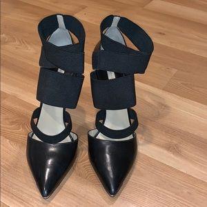 MK Michael Kors black pointy pumps size 7.5